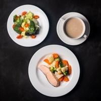 Комплекс №3 четверг Суп-пюре с грибами 200, Семга на пару 70 гр, Скандинавская овощная смесь 100 гр, Салат Грин Микс 90 гр
