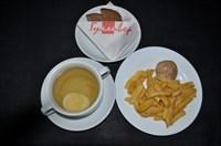 Детский Комплекс  №5 Бульон куриный 200 гр, яйцо куриное 20 гр, картофель фри 120 гр, фрикадельки из мяса птицы 45 гр, хлеб ржаной 2 кусочка
