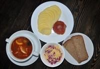 Комплекс №1 четверг: Солянка сборная мясная 200гр, Тефтели 100/60 гр, Картофельное пюре 150гр, Салат Свекла с сыром 130гр, хлеб ржаной 2 кусочка.