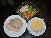 Комплекс №2 пятница: Суп-пюре сырный 200гр, Семга на пару 70/30гр, Гарнир Здоровье (бурый рис и полба) 150гр, Салат с копченой куриной грудкой, апельсином и грейпфрутом 110гр