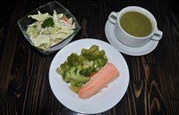Комплекс №2 четверг: Суп-пюре со шпинатом, Капуста брокколи на пару, Форель на пару, Салат Камчатка