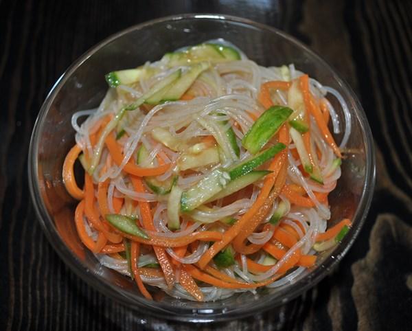 Салат Фунчеза с овощами 125 гр - фото 4774