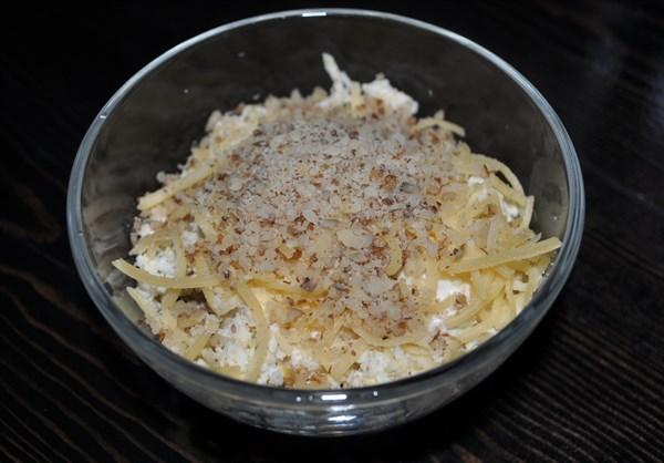 Слоеный салат с курицей и грибами 125 гр - фото 4847